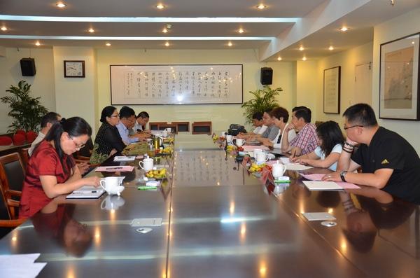 9月26日,青海省西宁市电视台赵淑兰台长一行6人来我台参观考察,受到